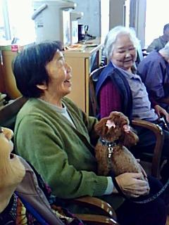 「セラピー犬とやま」と赤星ゆかり富山市議